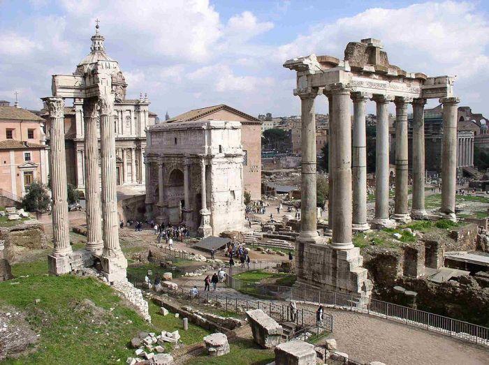 1024px-Tavares.Forum.Romanum.redux
