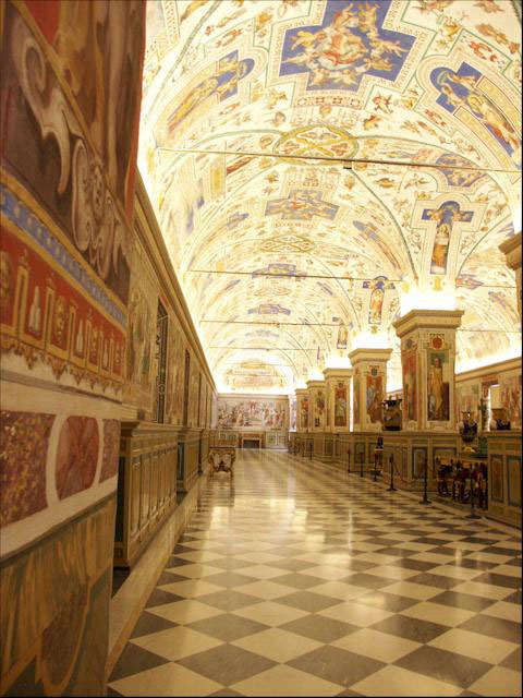 8790_original_Skip_the_Line_Vatican_Museums_and_Sistine_Chapel_Tour_with_Bramante_Staircase_and_Pinoteca_Art_Gallery_1347267879